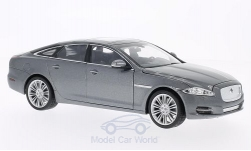 Modellauto - <strong>Jaguar</strong> XJ, metallic-grijs, 2010<br /><br />Welly, 1:24<br />Nr. 158934