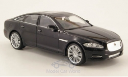 Modelcar - <strong>Jaguar</strong> XJ, black, without showcase, 2010<br /><br />Welly, 1:24<br />No. 158935