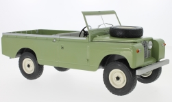 Modelcar - <strong>Land Rover</strong> 109 Pick Up series II, light oliv, RHD, 1959<br /><br />MCG, 1:18<br />No. 215048