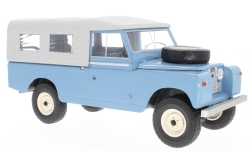ModelCar - <strong>Land Rover</strong> 109 Pick Up Series II, blau/grau, 1959<br /><br />MCG, 1:18<br />No. 215049