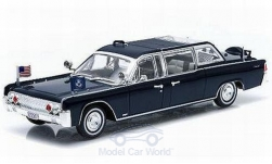 ModelCar - <strong>Lincoln</strong> Continental SS-100-X, metallic-dunkelblau, John F. Kennedy, 1961<br /><br />Greenlight, 1:43<br />No. 217596