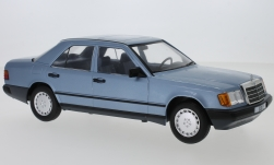 Modelcar - <strong>Mercedes</strong> 300 E (W124), metallic-light blue, 1984<br /><br />MCG, 1:18<br />No. 220366
