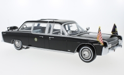 Modelcar - <strong>Lincoln</strong> Continental X-100, black, Quick Fix, 1964<br /><br />CMF, 1:18<br />No. 221129