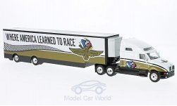Modellauto - <strong>Kenworth</strong> i2000, Indianapolis Motor Speedway, Koffersattelzug<br /><br />Greenlight, 1:64<br />Nr. 222822