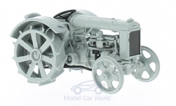 Modelcar - <strong>Fordson</strong> Putilovets, 1927<br /><br />SpecialC.-95, 1:43<br />No. 224470