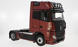 Modelcar - <strong>Mercedes</strong> Actros GigaSpace 4x2 FH25, metallic-dark red<br /><br />I-NZG, 1:18<br />No. 226266