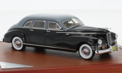 Modelcar - <strong>Packard</strong> customs super Clipper Limousine, black/grey, 1947<br /><br />CMF, 1:43<br />No. 227482