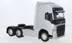 Modellauto - <strong>Volvo</strong> FH 500 (6x4), zilver<br /><br />Welly, 1:32<br />Nr. 228735