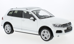 Modellauto - <strong>VW</strong> Touareg II, weiss, GTA Edition<br /><br />Welly, 1:18<br />Nr. 231969