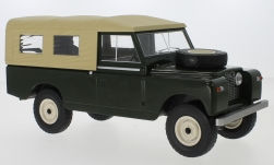 Modellauto - <strong>Land Rover</strong> 109 Pick Up Series II, dunkelgrün/dunkelbeige, RHD, 1959<br /><br />MCG, 1:18<br />Nr. 234244