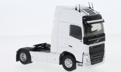 Modelcar - <strong>Volvo</strong> FH 4 500 Globetrotter, white, towing vehicle<br /><br />Eligor, 1:43<br />No. 234715