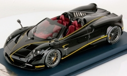 ModelCar - <strong>Pagani</strong> Huayra Roadster, schwarz, Gyrfalcon, 2017<br /><br />Look Smart, 1:18<br />No. 235593