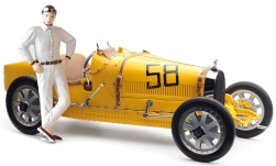 Modelcar - <strong>Bugatti</strong> T35 Grand Prix, yellow, No.58, with women-figure of driver<br /><br />CMC, 1:18<br />No. 235626