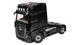 Modelcar - <strong>Mercedes</strong> Actros GigaSpace 4X2, black, 2018<br /><br />NZG, 1:18<br />No. 236239