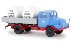 Modelcar - <strong>IFA</strong> S 4000-1, Leuna, with tanks, 1960<br /><br />Brekina, 1:87<br />No. 238512