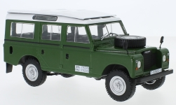Modelcar - <strong>Land Rover</strong> series III 109, green, 1980<br /><br />WhiteBox, 1:24<br />No. 238558