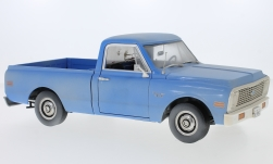 Modellauto - <strong>Chevrolet</strong> C-10 Pick Up, lichtblauw, The Texas Chainsaw Massacre, met Grunge effect, 1971<br /><br />Highway 61, 1:18<br />Nr. 238758