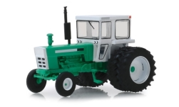 Modelcar - <strong>-</strong> tractor with double tires, green/white, 1972<br /><br />Greenlight, 1:64<br />No. 240818