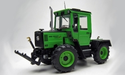 Modelcar - <strong>Mercedes</strong> MB trac 700 Family (W440), light green/matt-black<br /><br />weise-toys, 1:32<br />No. 242585