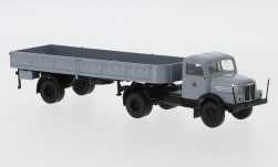 voiture miniature - <strong>IFA</strong> S 4000-1 plateformes-SZ, Allemand national Railroad, 1960<br /><br />Brekina, 1:87<br />N° 244967