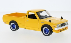 Modellauto - <strong>Datsun</strong> 620 Pick Up Tuning, gelb, 1973<br /><br />Maisto, 1:24<br />Nr. 245070