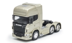 Modellauto - <strong>Scania</strong> R730 V8 (6x4), metallic-beige<br /><br />Welly, 1:32<br />Nr. 245490