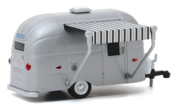 Modellauto - <strong>Airstream</strong> Bambi, silber, 1961<br /><br />Greenlight, 1:64<br />Nr. 245798