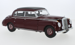 Modellauto - <strong>Mercedes</strong> 300 (W186), dunkelrot, 1955<br /><br />Norev, 1:18<br />Nr. 246416