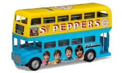 Modellauto - <strong>-</strong> London Bus, RHD, The Beatles, Sgt. Peppers Lonely Hearts Club Band<br /><br />Corgi, 1:64<br />Nr. 246896