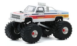 Modelcar - <strong>Chevrolet</strong> C-20 Monster Truck, Stomper Bully, 1984<br /><br />Greenlight, 1:64<br />No. 247202