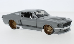Modellauto - <strong>Ford</strong> Mustang GT Tuning, hellgrau/schwarz, 1967<br /><br />Maisto, 1:24<br />Nr. 247463