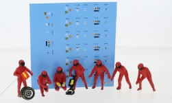Modellauto - <strong>Figuren</strong> F1 Pit Crew, Team Rot, inklusive Decals, 7-teilig<br /><br />American Diorama, 1:43<br />Nr. 247613