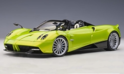 Modelcar - <strong>Pagani</strong> Huayra Roadster, metallic-light green, including Hardtop, 2017<br /><br />AUTOart, 1:18<br />No. 248059