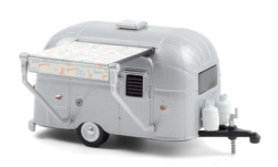 Modellauto - <strong>Airstream</strong> Bambi, aluminium, mit Markise, 1961<br /><br />Greenlight, 1:64<br />Nr. 248969