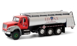 Modellauto - <strong>International</strong> WorkStar Tanker Truck, F.D.N.Y. Fleet Services, 2018<br /><br />Greenlight, 1:64<br />Nr. 249162