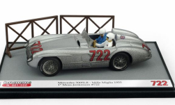 Modellauto - <strong>Mercedes</strong> 300 SLR, No.722, Mille Miglia, Moss Collection mit Figuren, S.Moss/D.Jenkinson, 1955<br /><br />Brumm, 1:43<br />Nr. 249731