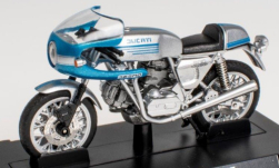 Modellauto - <strong>Ducati</strong> 900 SS, silber/hellblau, 1975<br /><br />SpecialC.-118, 1:24<br />Nr. 251220