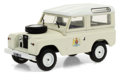 Modellauto - <strong>Land Rover</strong> 88 Series II, Ace Ventura - When Nature Calls, 1961<br /><br />Greenlight, 1:43<br />Nr. 251355
