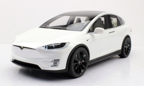 Tesla Model X P100D, metallic-weiss