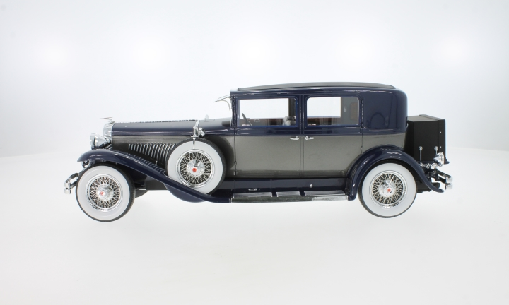 Duesenberg Model J Willoughby Berline, schwarz/silber