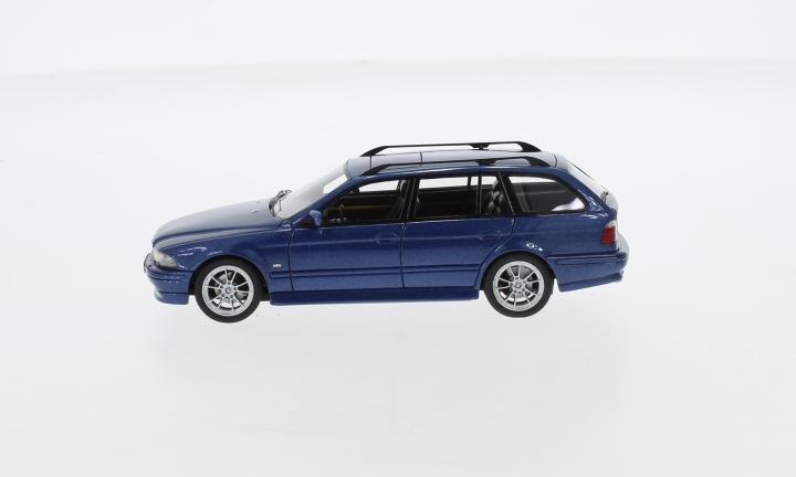 BMW 520 Touring  (E39), metallic-blau