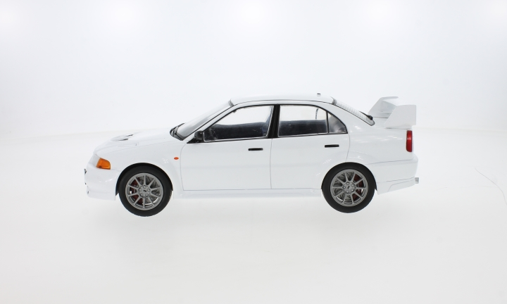 Mitsubishi Lancer RS Evolution VI, weiss