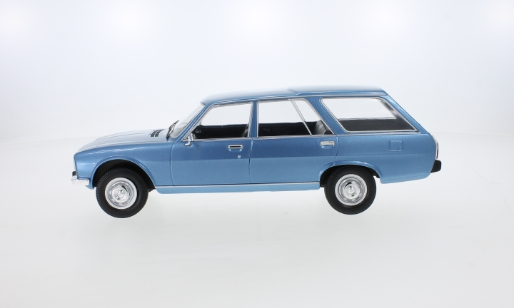 Peugeot 504 Break, metallic-blau